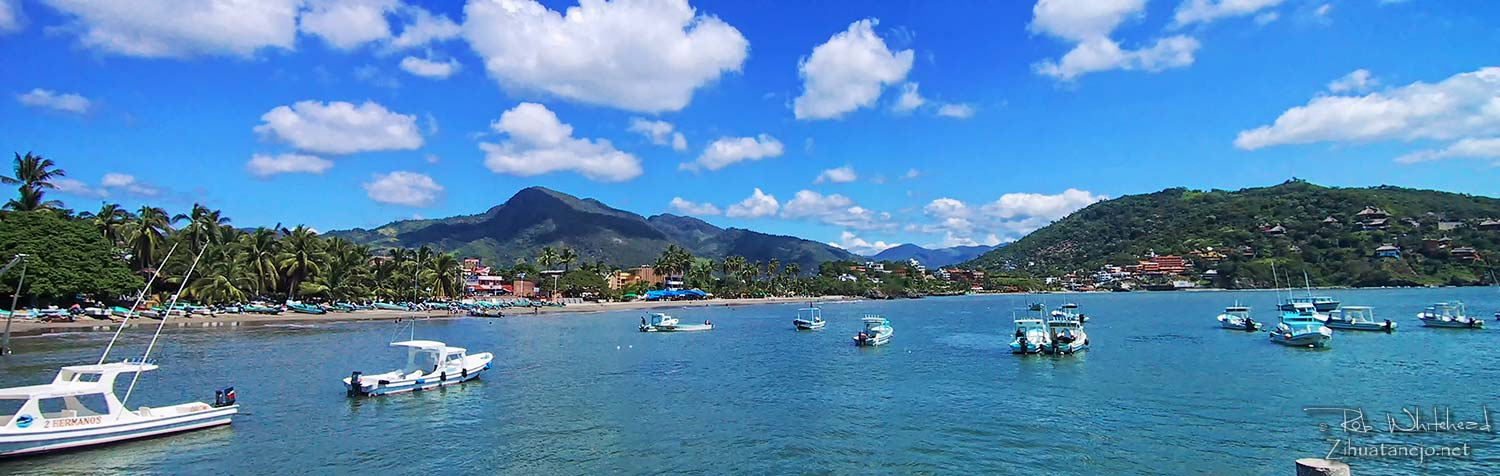 Wide-angle view of Zihuatanejo