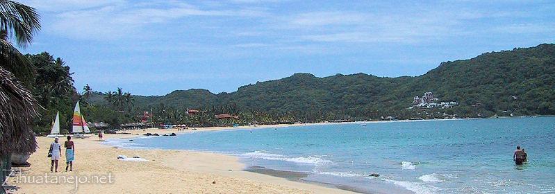 Playa La Ropa Zihuatanejo Mexico